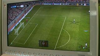 Jugando a Pro Evolution Soccer 2011 - Vandal TV TGS