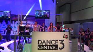 Jugando a Dance Central 3 - Vandal TV E3 2012