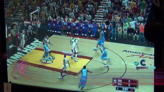 Jugando a NBA 2K13 - Vandal TV GC 2012